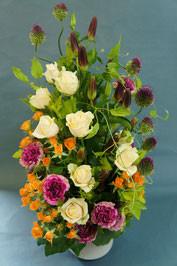 フラワーギフト・花・お祝い・アレンジ・贈り物 存在感のあるあるアレンジは贈り物にもぴったり
