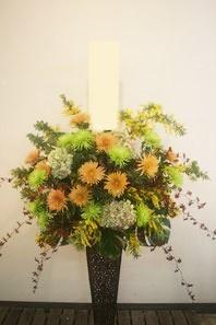 フラワーギフト・花・お供え 白以外のお供え花をお探しの方におすすめです