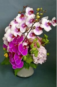 ギフト・花・お祝い・記念日 ランを使って目を引く和風のアレンジ