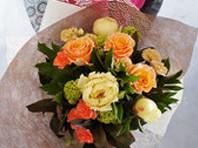 フラワーギフト・花・お祝い・花束 シャクヤクやトルコキキョウを使った花束