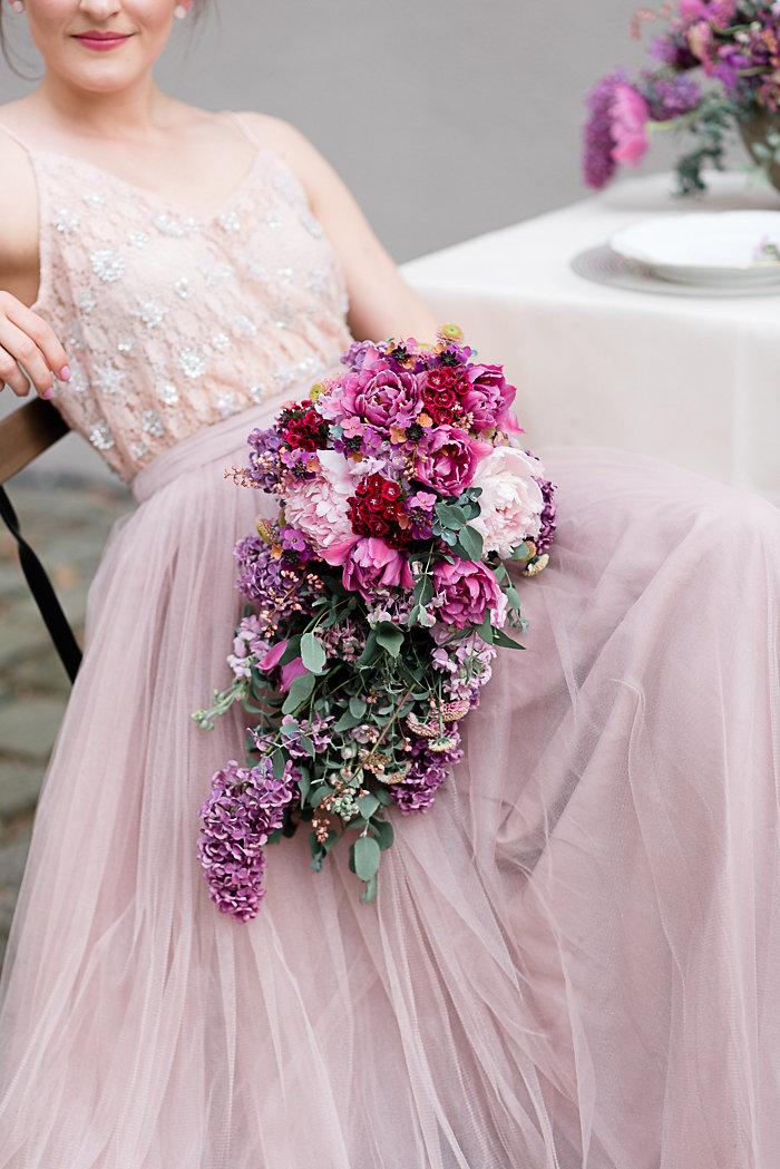 Brautkleid, Brautstrauß, Efi, Hochzeitsdekoration