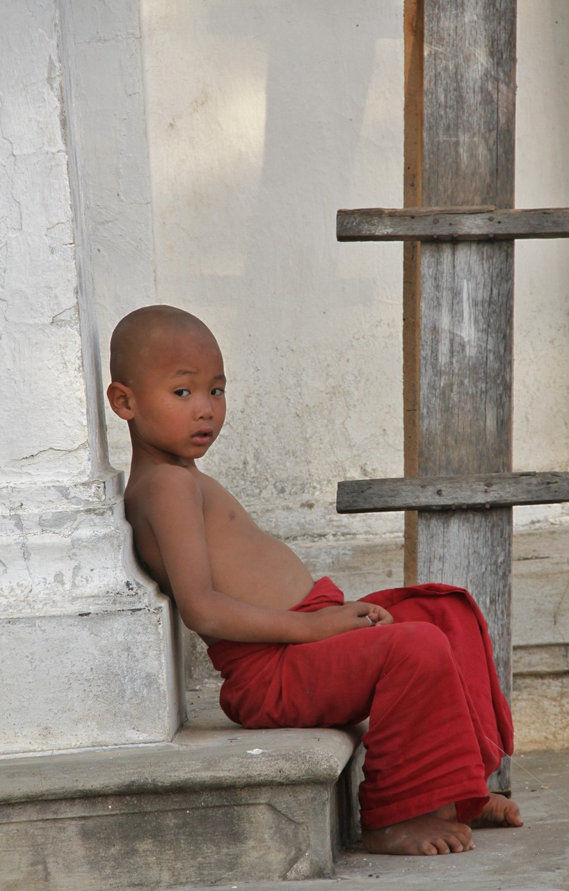 Novize mit Drachen, Inle See | Myanmar