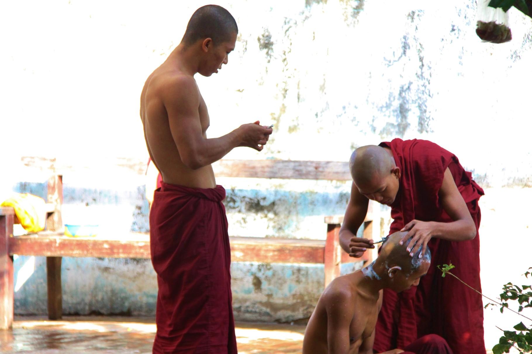 Morgenpflege, Mandalay | Myanmar
