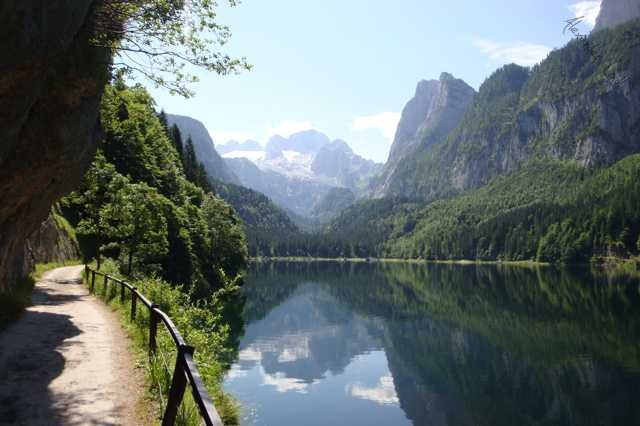Vordere Gosausee with view to Hallstein glacier