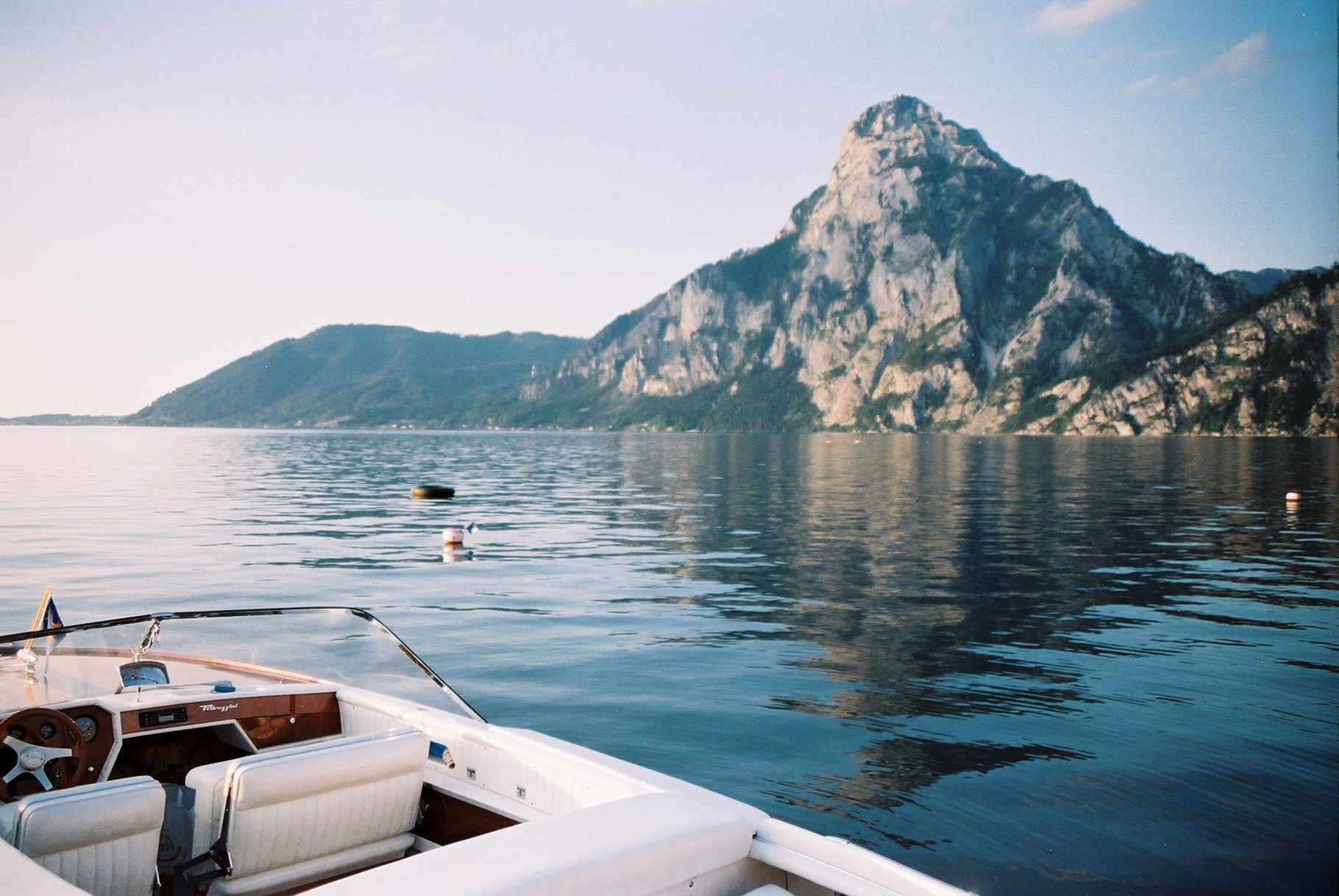 Traunsee with a view to Traunstein | Austria