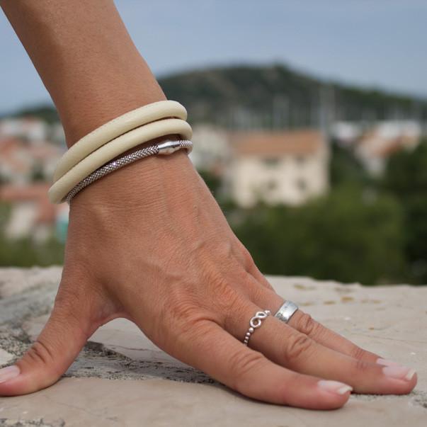 Nappalederarmband kombiniert mit Silberarmreif