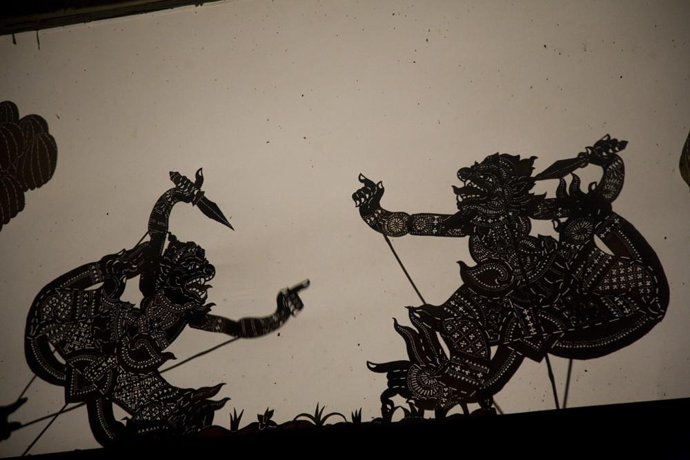 Le théâtre d'ombre « petit cuir ». Photo prise par Joseph Thach.