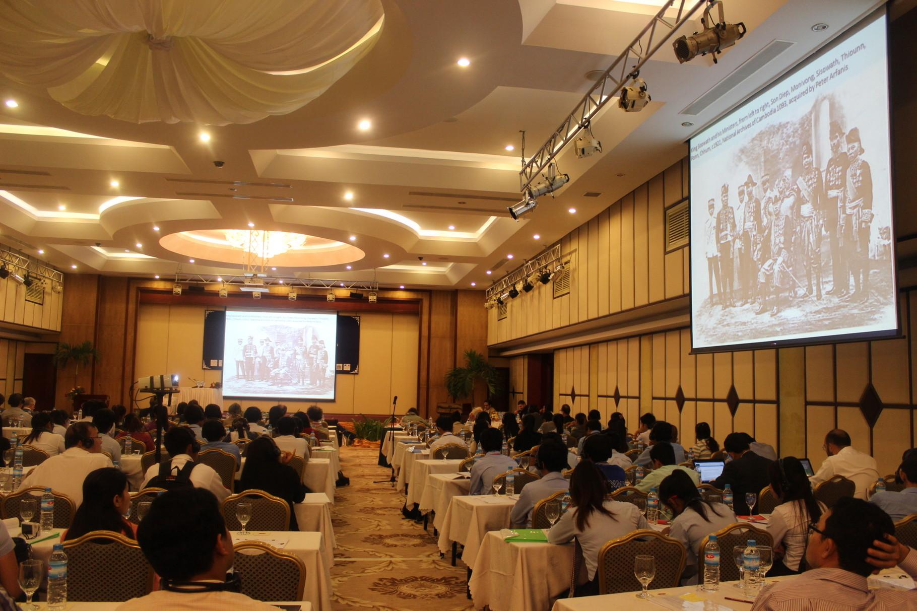 Une présentation, Colloque international sur le Cambodge, Hôtel Phnom Penh, 15-17 décembre, 2014