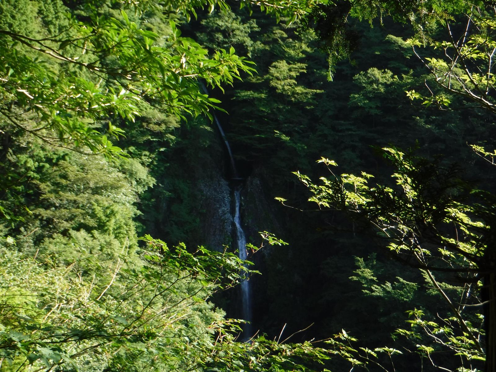 見晴台から不動の滝