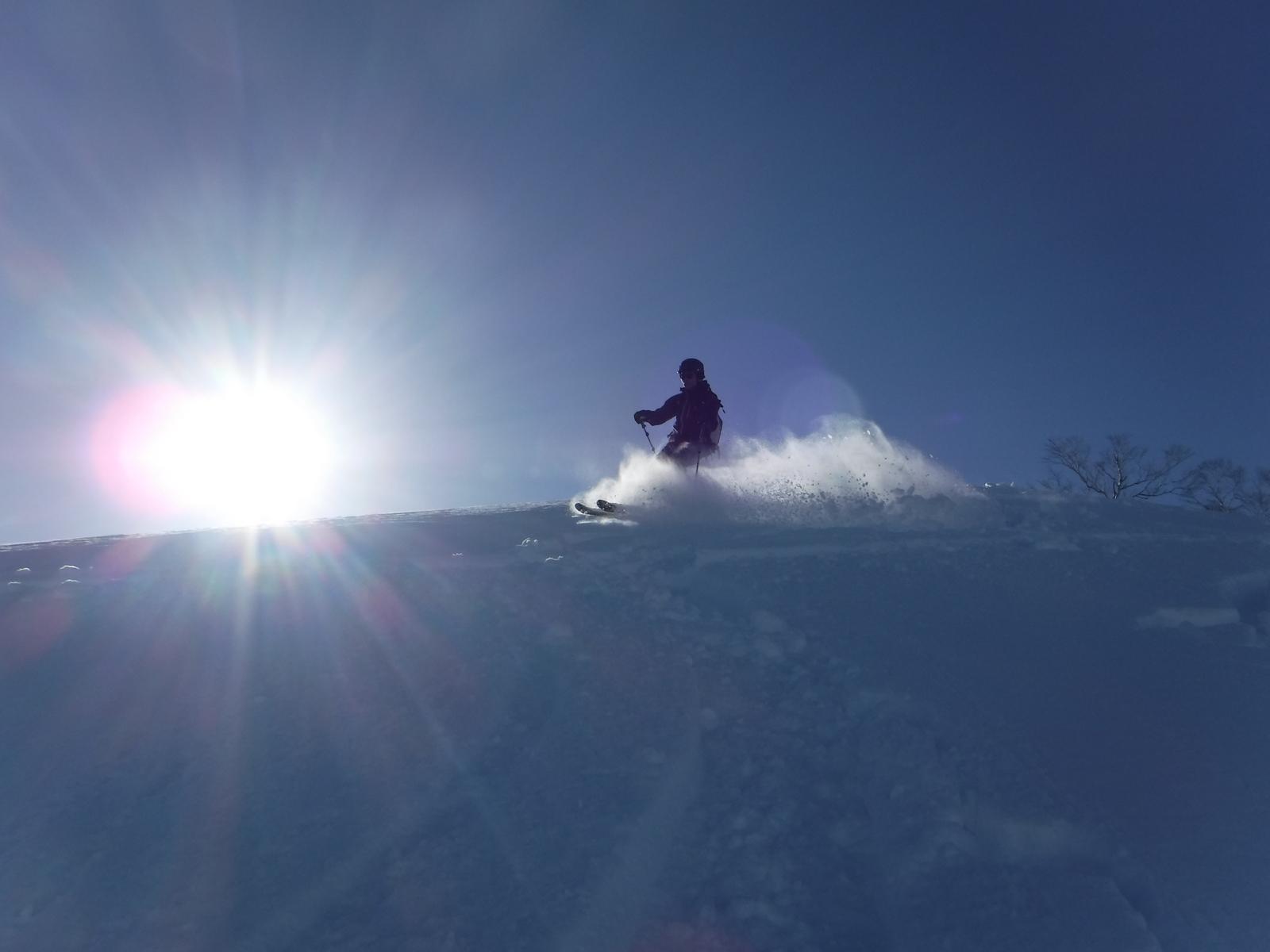 上部は素敵な新雪