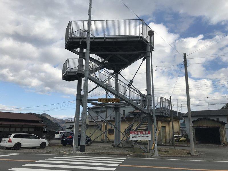 9:50 津波避難タワーが所々にある