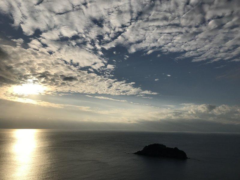15:30 標高150m付近より、宇留島、夕日まで眺めていたい場所