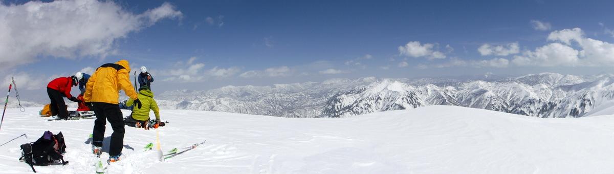 越後駒山頂からのパノラマ(東側)
