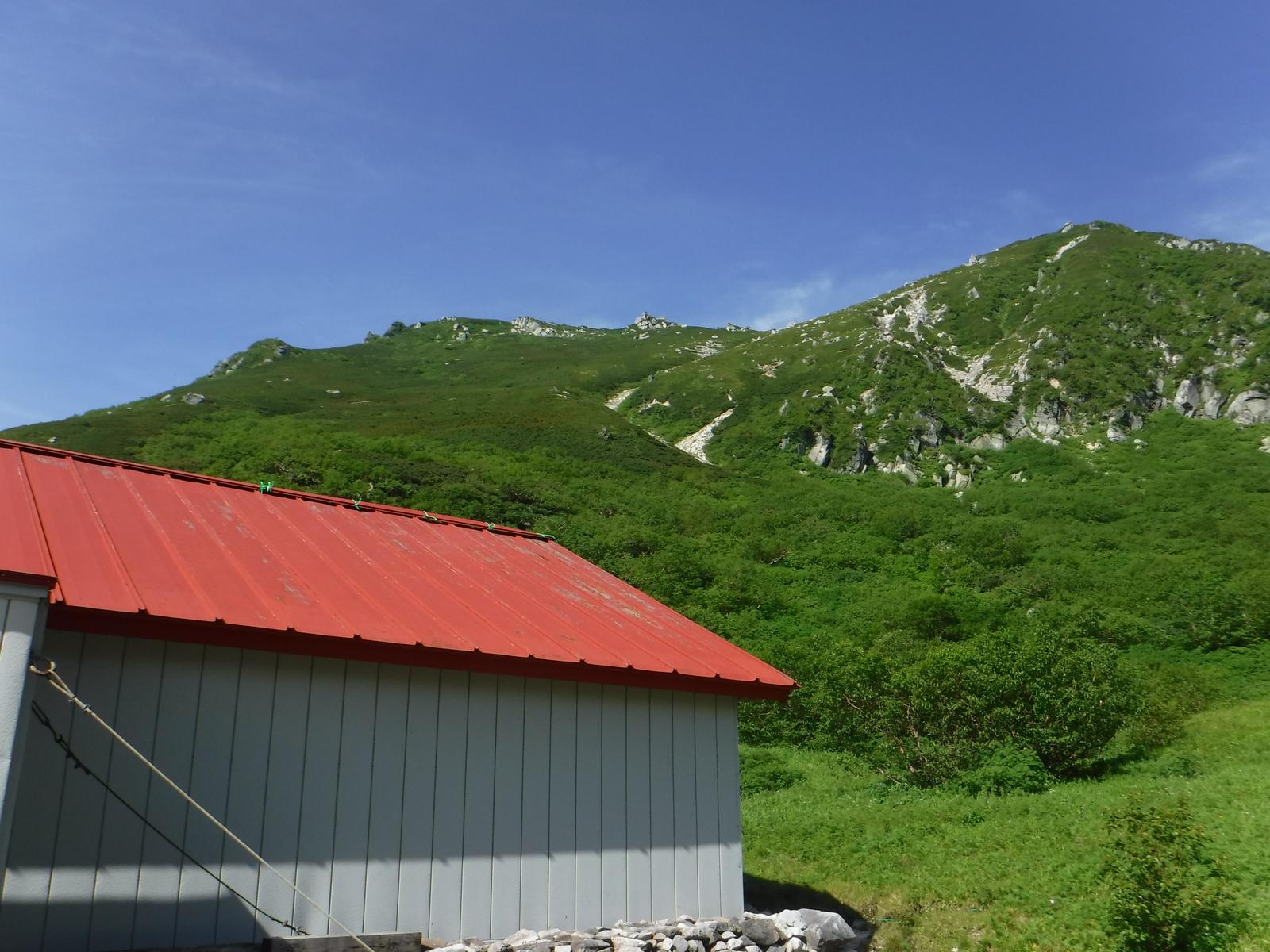 避難小屋は空木平避難小屋と似た構造、水場がなさそう?