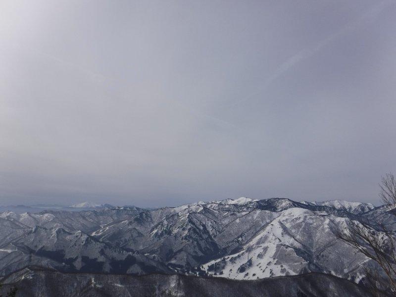 11:20 苗場スキー場方面