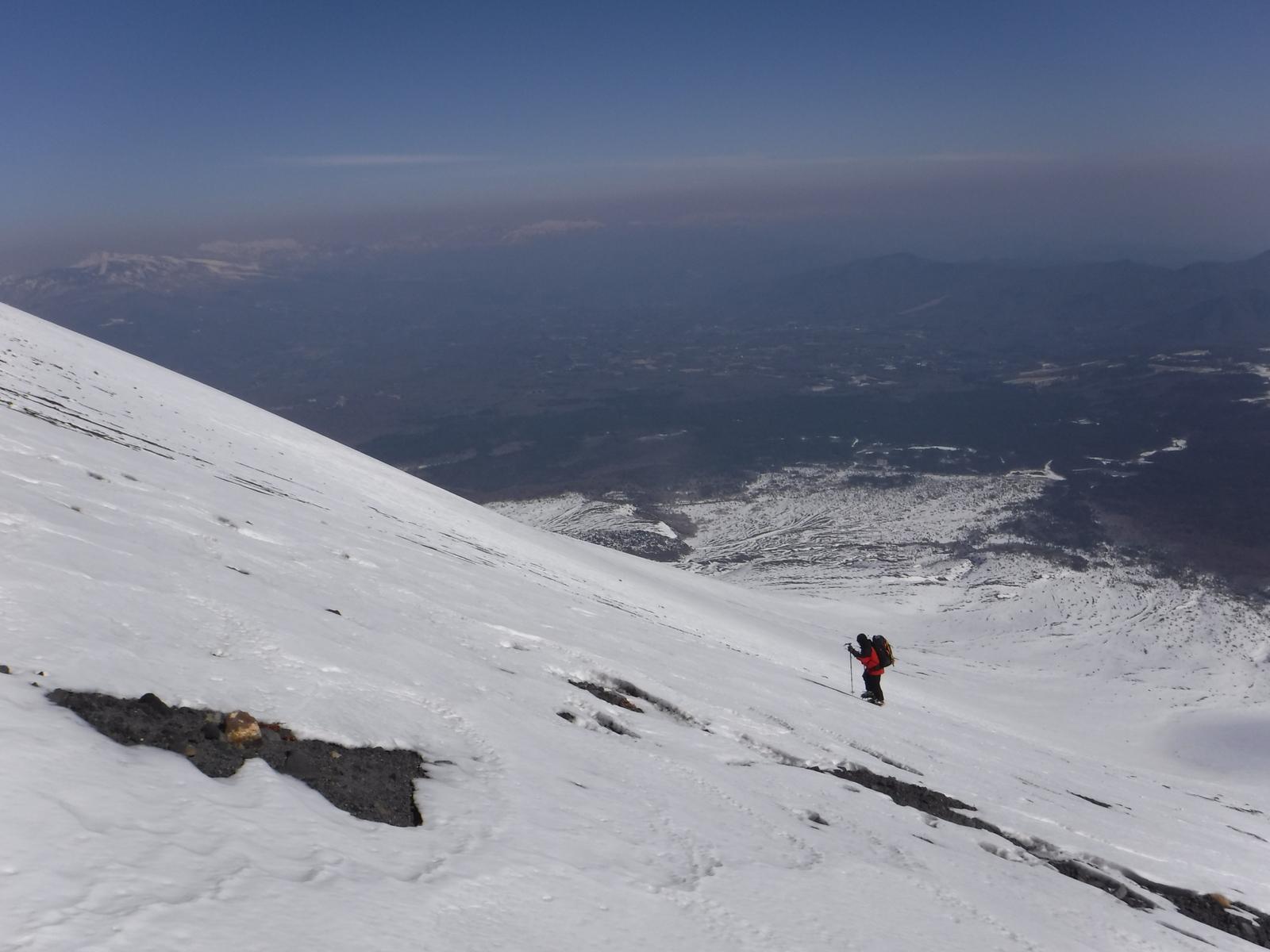 10:30 富士山東面を思わせる浅間山東面の大斜面