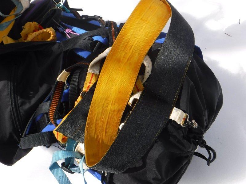 I松さん持参の、バンド式シールの予備シールとしての有効性をチェック。直登なら使えそう