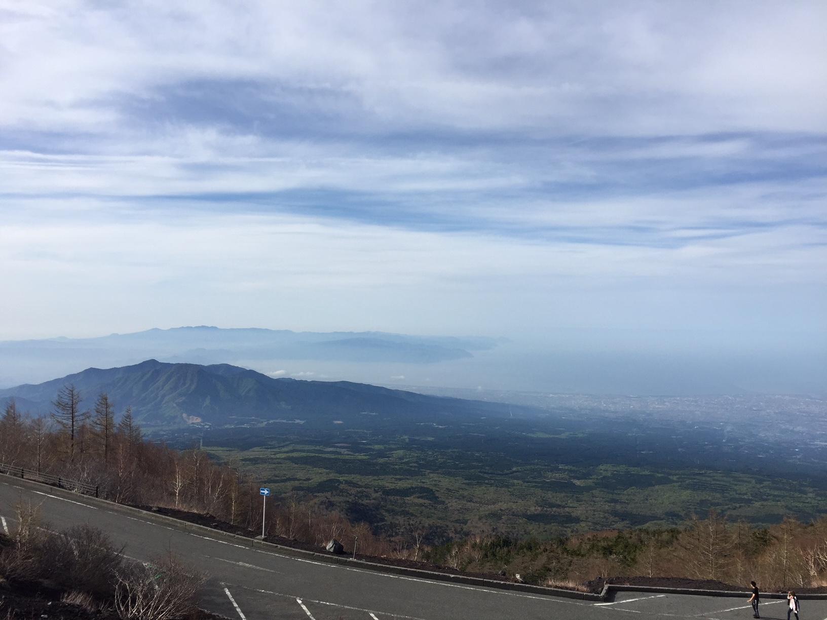 6:50 海岸線、伊豆半島がはっきり見えた。