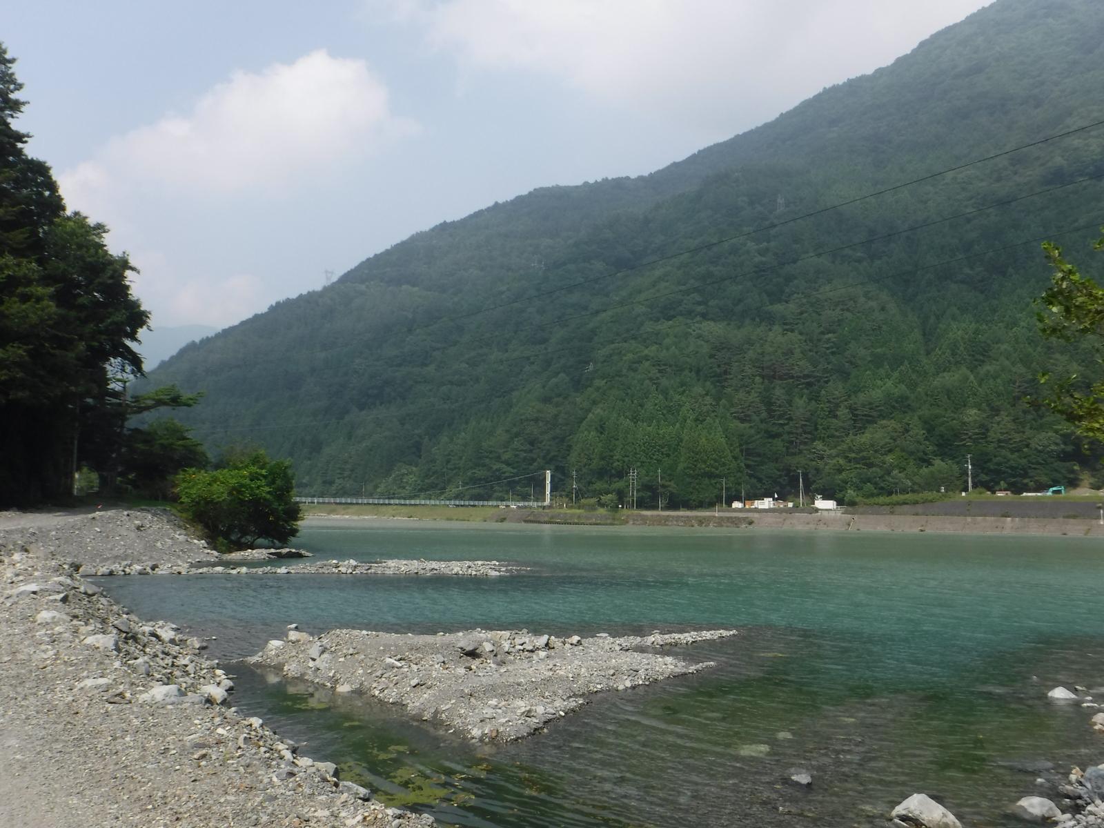14:50 奈良田湖と吊り橋