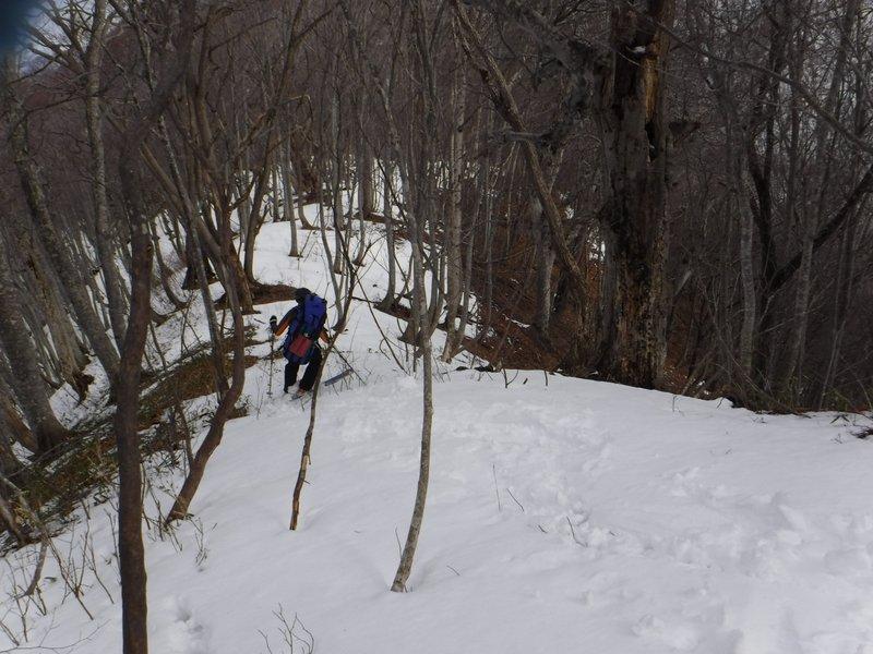 13:40 980m付近、雪がある限り滑る!