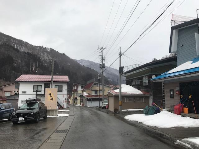 桧枝岐アメダスの積雪は52cm、見た感じはもっと少ない