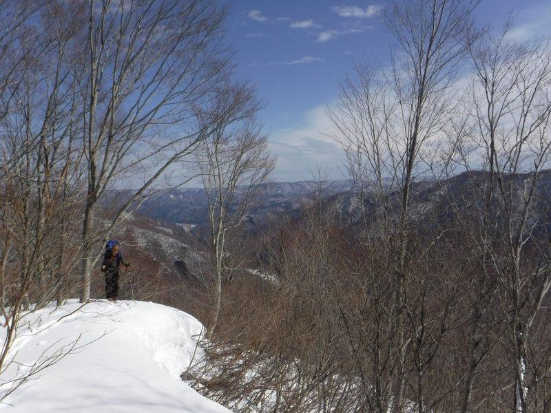 11:00 1120m付近のやや細い雪稜