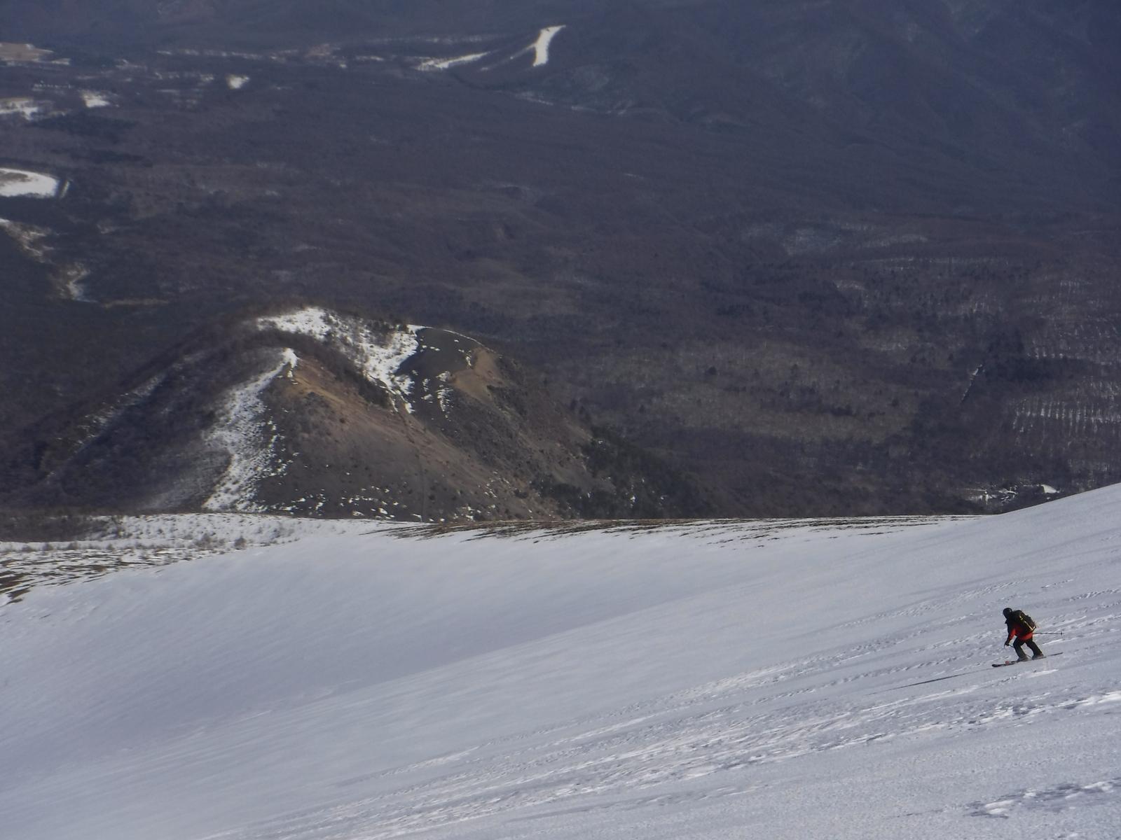 12:50 小浅間山を望む滑り