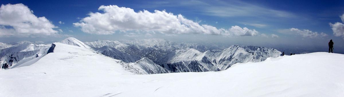 越後駒山頂からのパノラマ(西側)