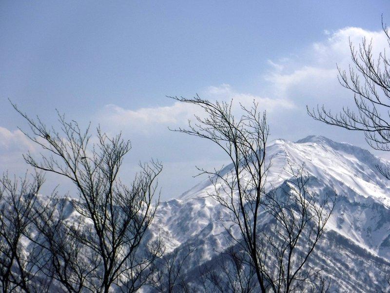 14:10 コルから雨飾山