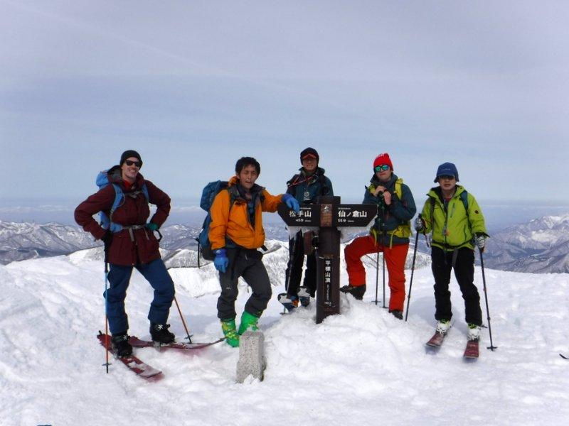 12:05 山頂 1984m Enri-、M本、I松、K子、M森