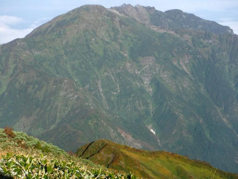 中ノ岳より八海山