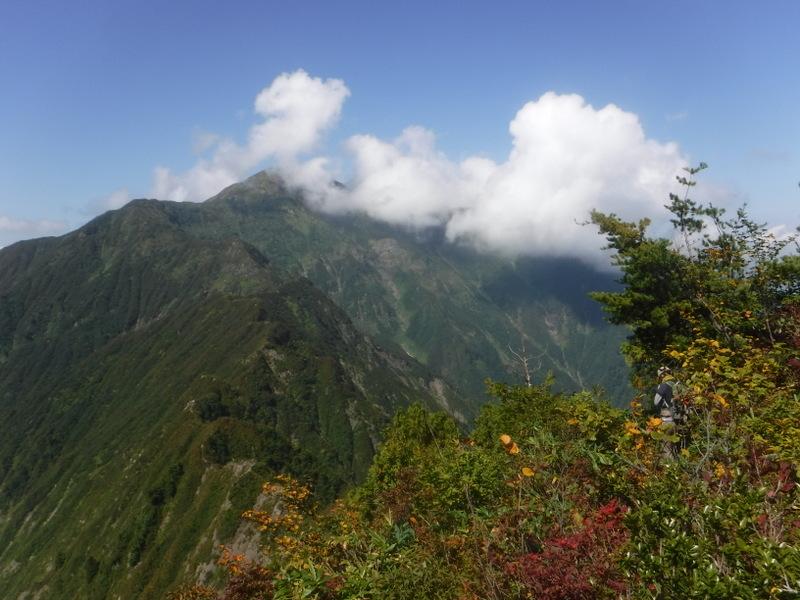 八海山への稜線