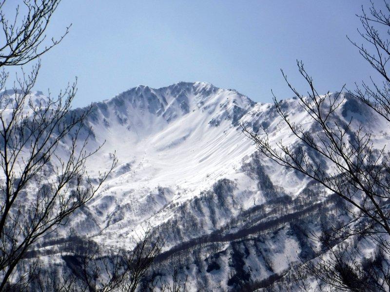10:00 コルからの昼闇山、カールが招く!