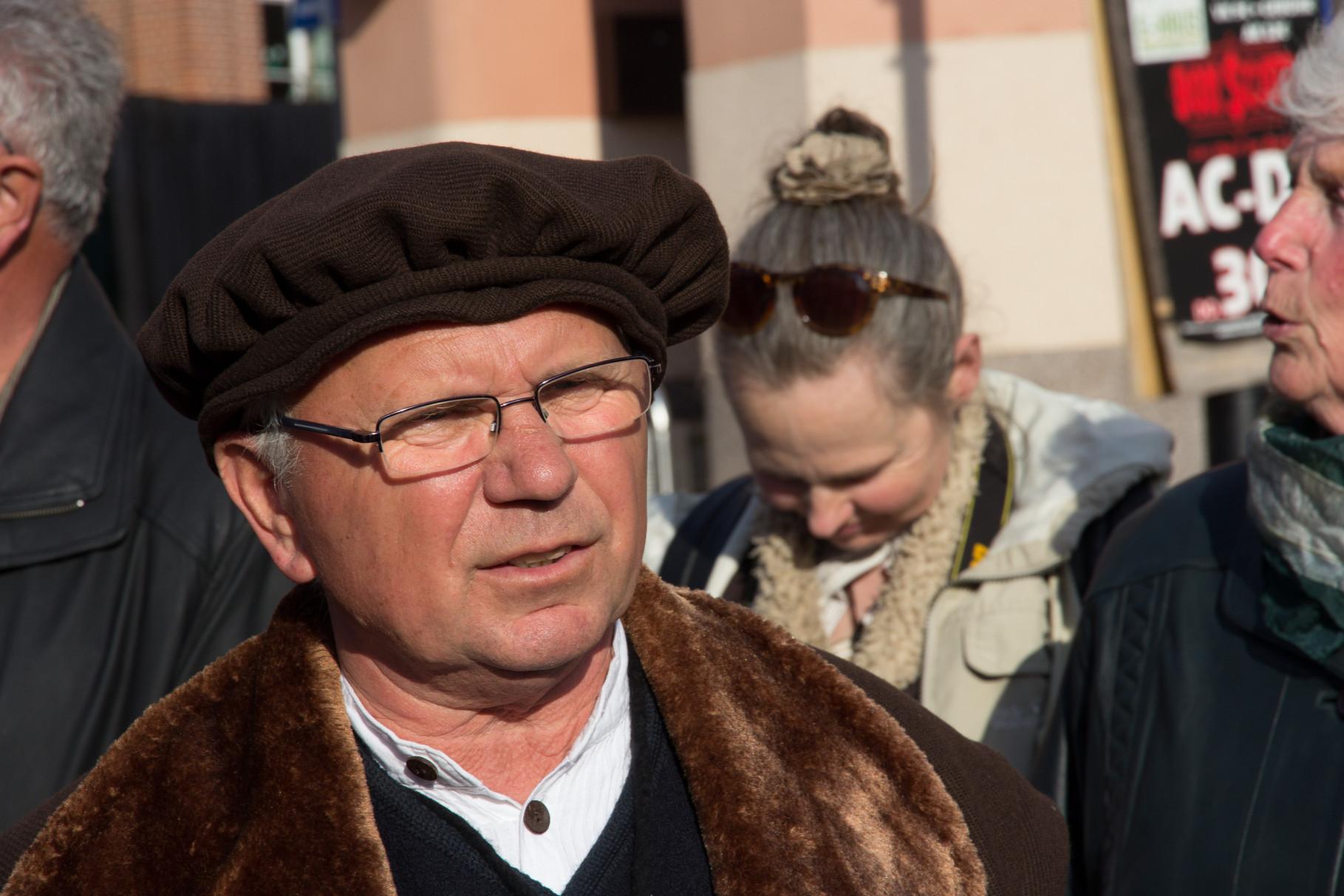 Der konzentrierte Münzmeister (und Stadtbilderklärer) Bernhard Juengelingk alias Dr. Schotte