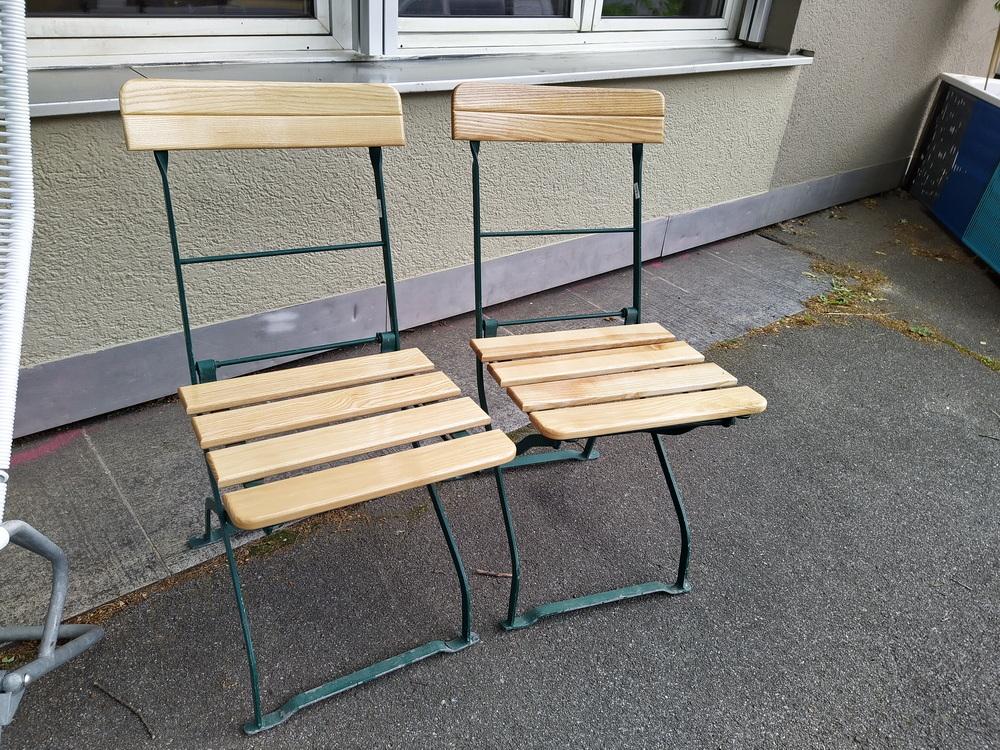 Eisen Gartenstühle mit Holzlättli