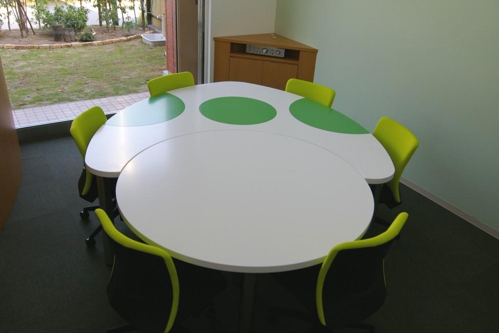 独創的なデザインでミーティングも少し楽しくなる。