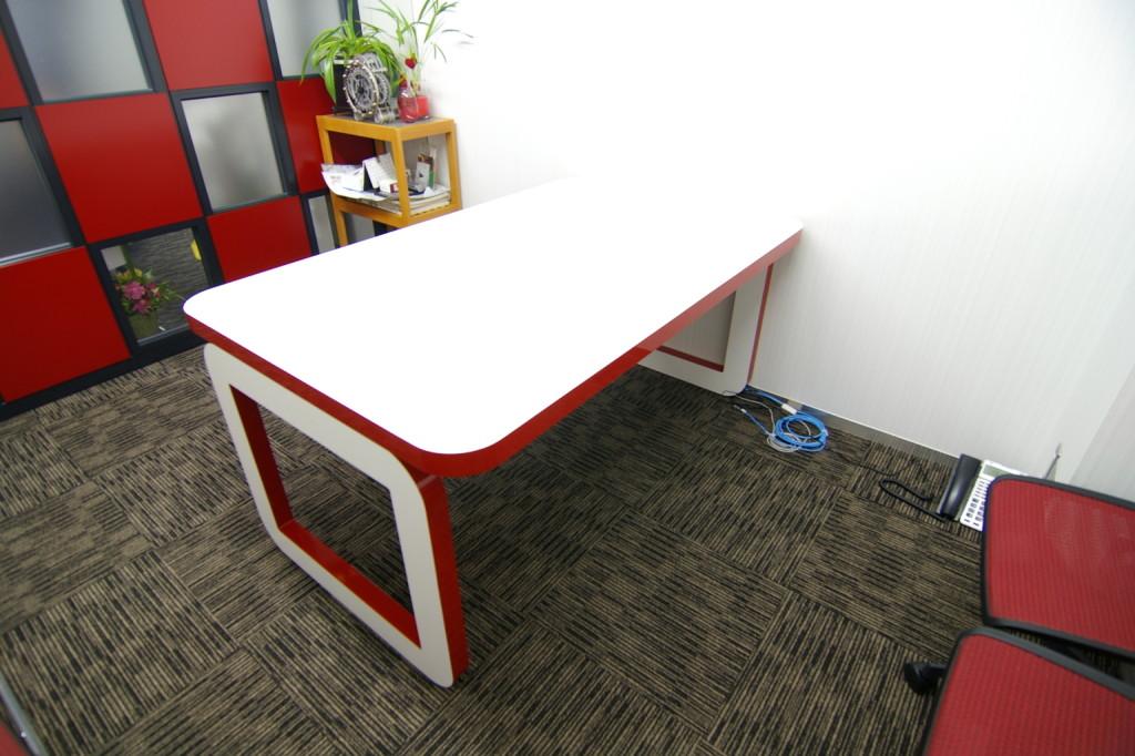 デザインを追求する企業にはセンスを感じる会議室が必要。