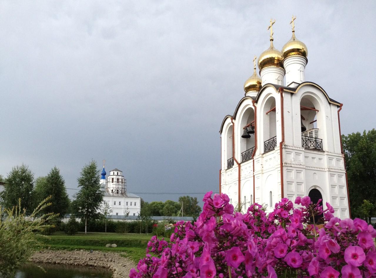 Звонница монастыря