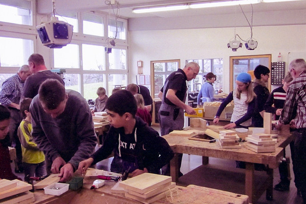 Nistkastenbau Jugendarbeit, 2015