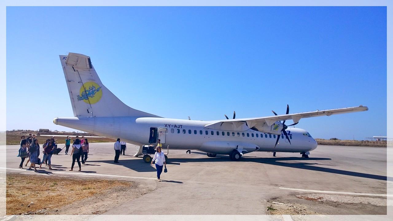 Propellermaschine der Air KBZ am Airport Thandwe/Myanmar