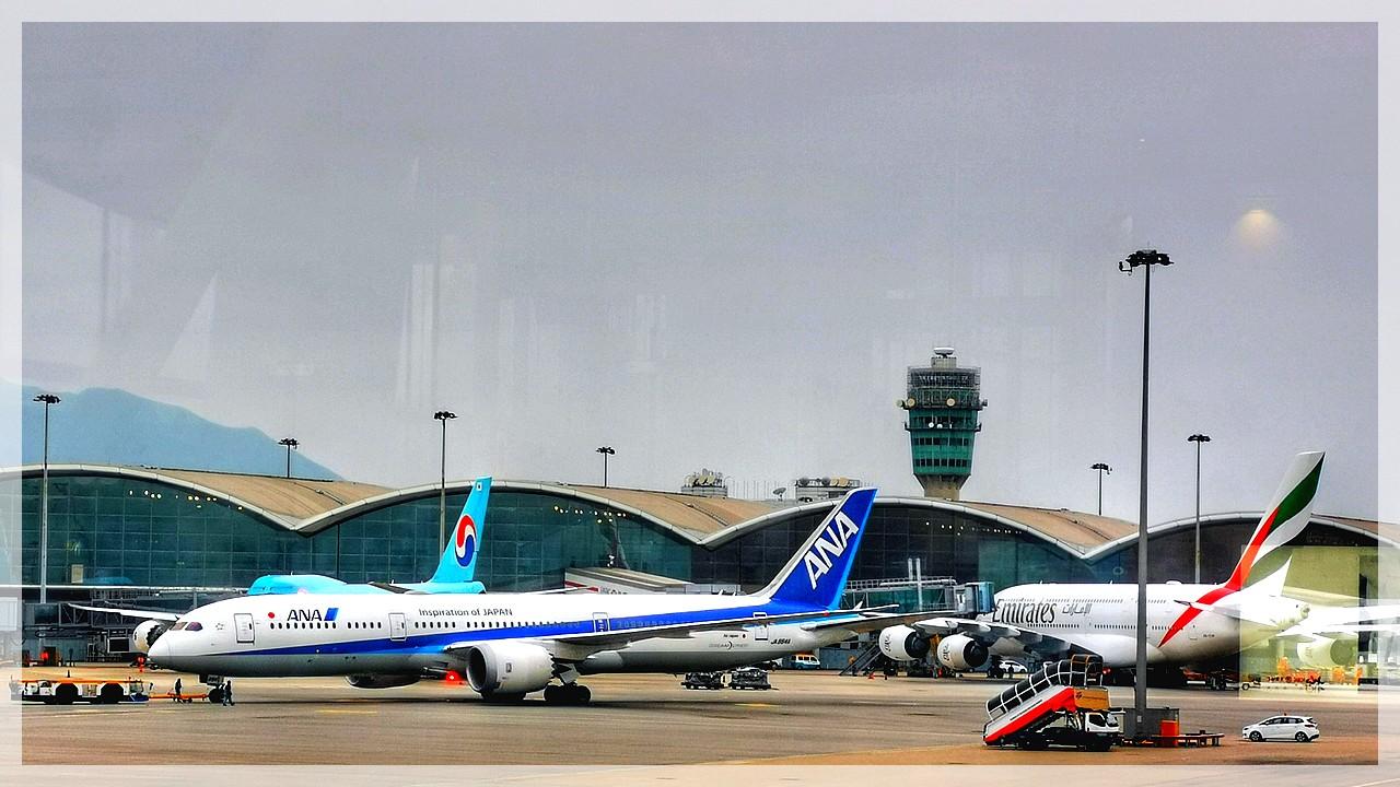 Großflugzeuge am Airport Hongkong