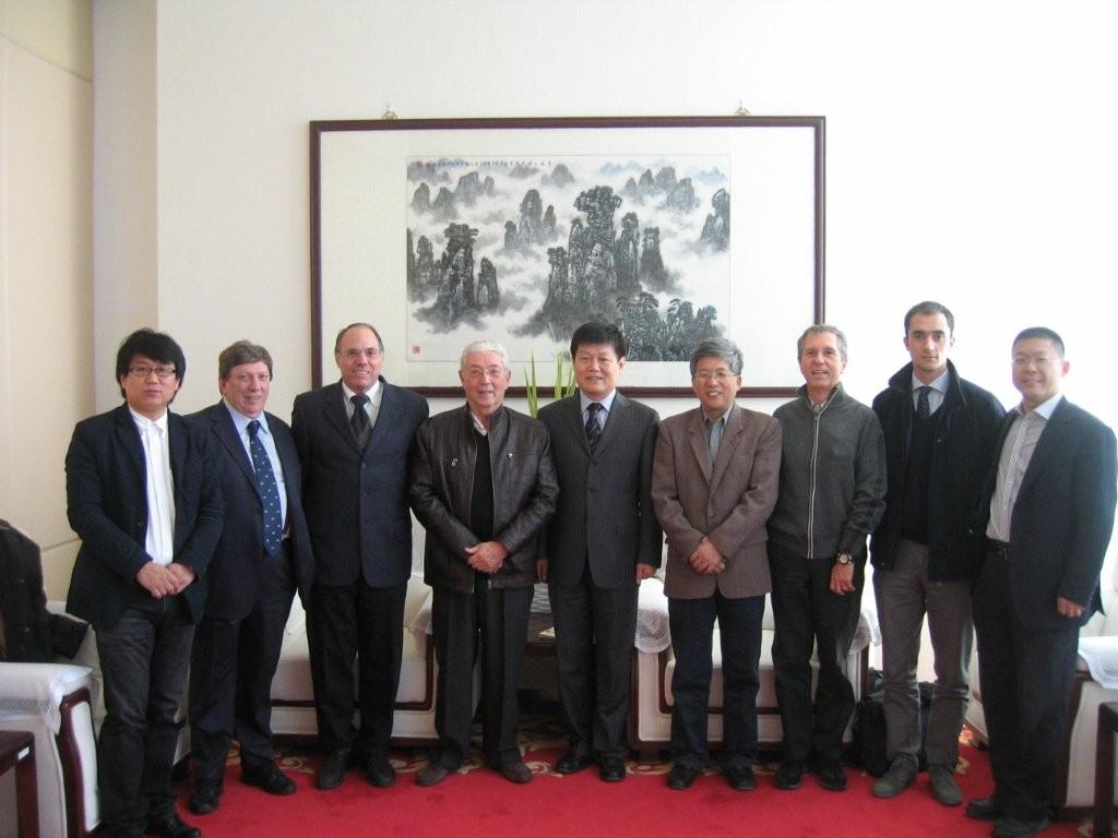 Da sinistra a destra Li Bochun, Cecchi, Li Mingzhu, Wang Caiyou, Lapo 2011