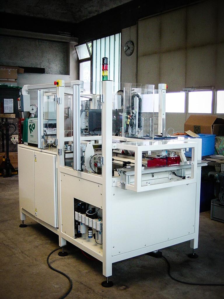 Horizontal-Kartoniermaschine für Messerverpackung