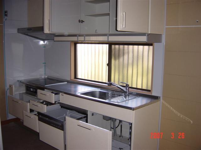 新しいシステムキッチンは収納性抜群!IHクッキングヒーターに食器洗い乾燥機、奥様と娘さんで展示場に行き選んできました!