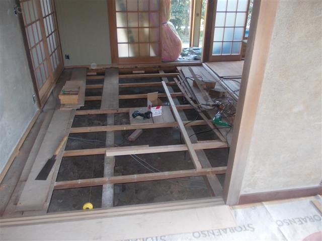 もうひとつの畳部屋もリフォーム開始!床組を直します。
