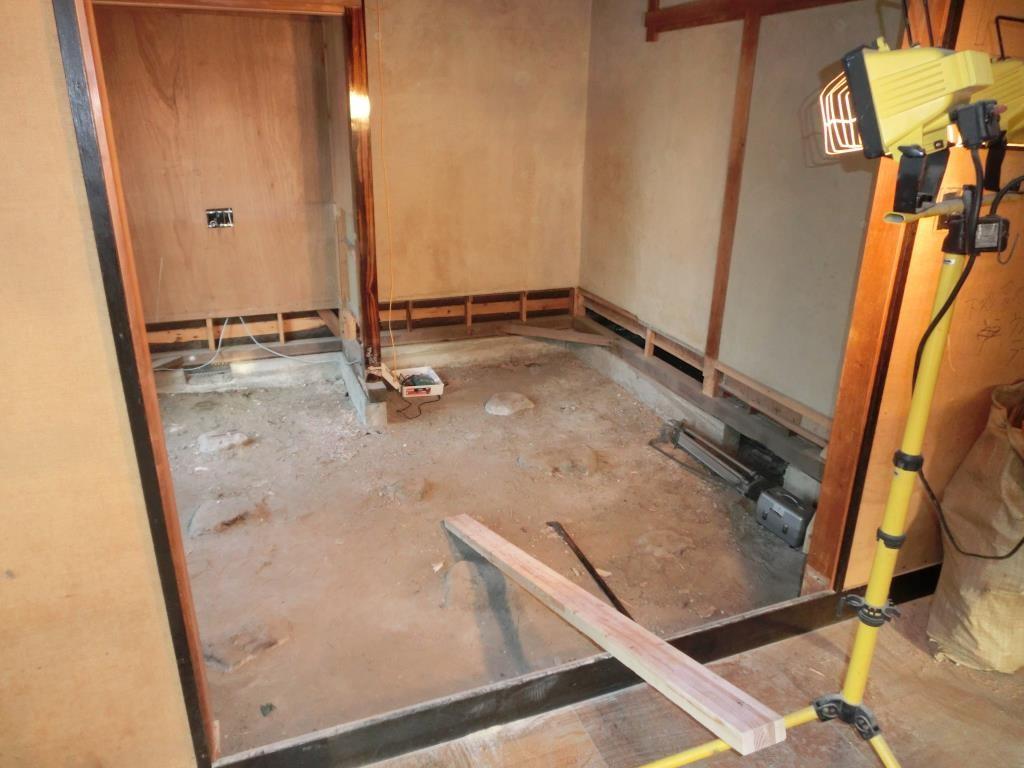 9.和室の床は畳から、フローリングにチェンジ!