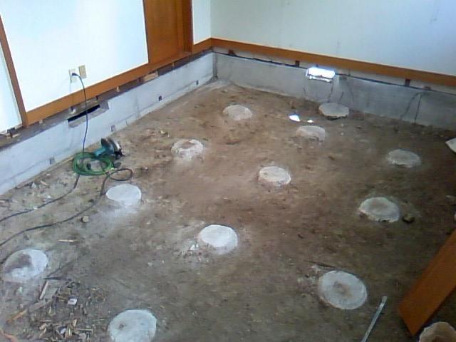 撤去完了しました。次は湿気止めのコンクリートを土の上に打ちます。