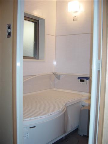 お風呂もユニットバスに入れ替え完了です!