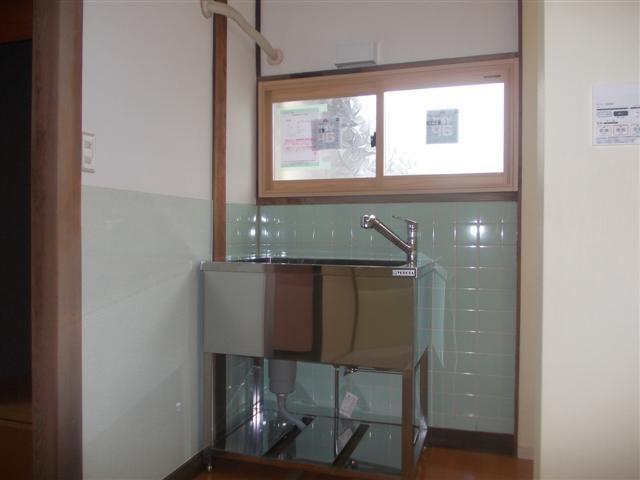 リフォーム工事完了しました! 洗面所はペットも洗えるドッグバスです。