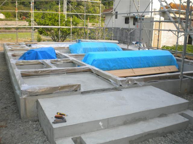作業場で加工した材料を運び入れて、いよいよ次は建て方です!